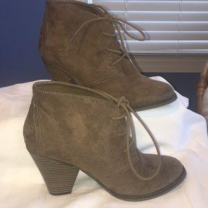 Mia women's heels 8.5 - brand New